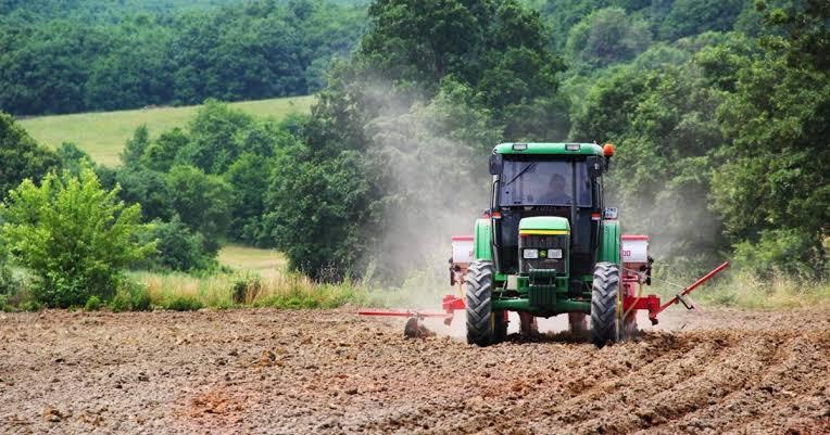Yüksek Faiz Nedeniyle Borçlarını Ödeyemeyen Çiftçilerin Tarım Araçlarına El Konuldu